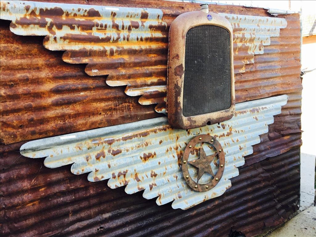 I love stuff, and we love making wings. I can tell you how much this love of rust and old metal has (..)